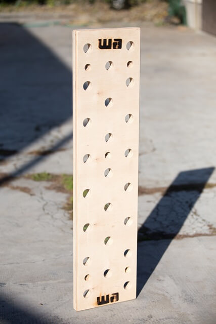 Pegboard - with 2 pcs grip-friendly wood rods